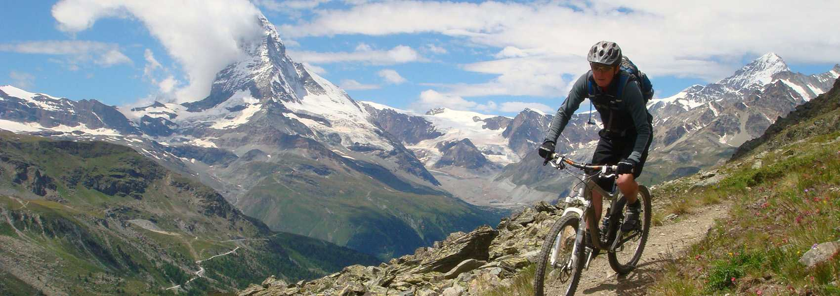 biking-in-the-garwal-himalayas