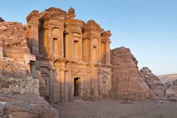 jordan-walk-the-siq-to-the-lost-city-of-petra