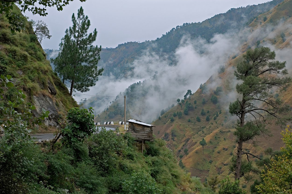 5 Most Scenic And Adventurous Places To Visit In Himachal Getupandgo