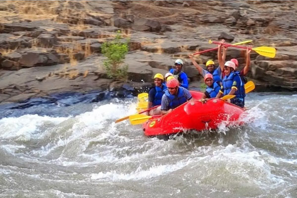 White Water Rafting in Vaitarna River
